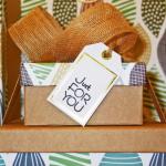 Liebevolle Geschenkboxen-Baby